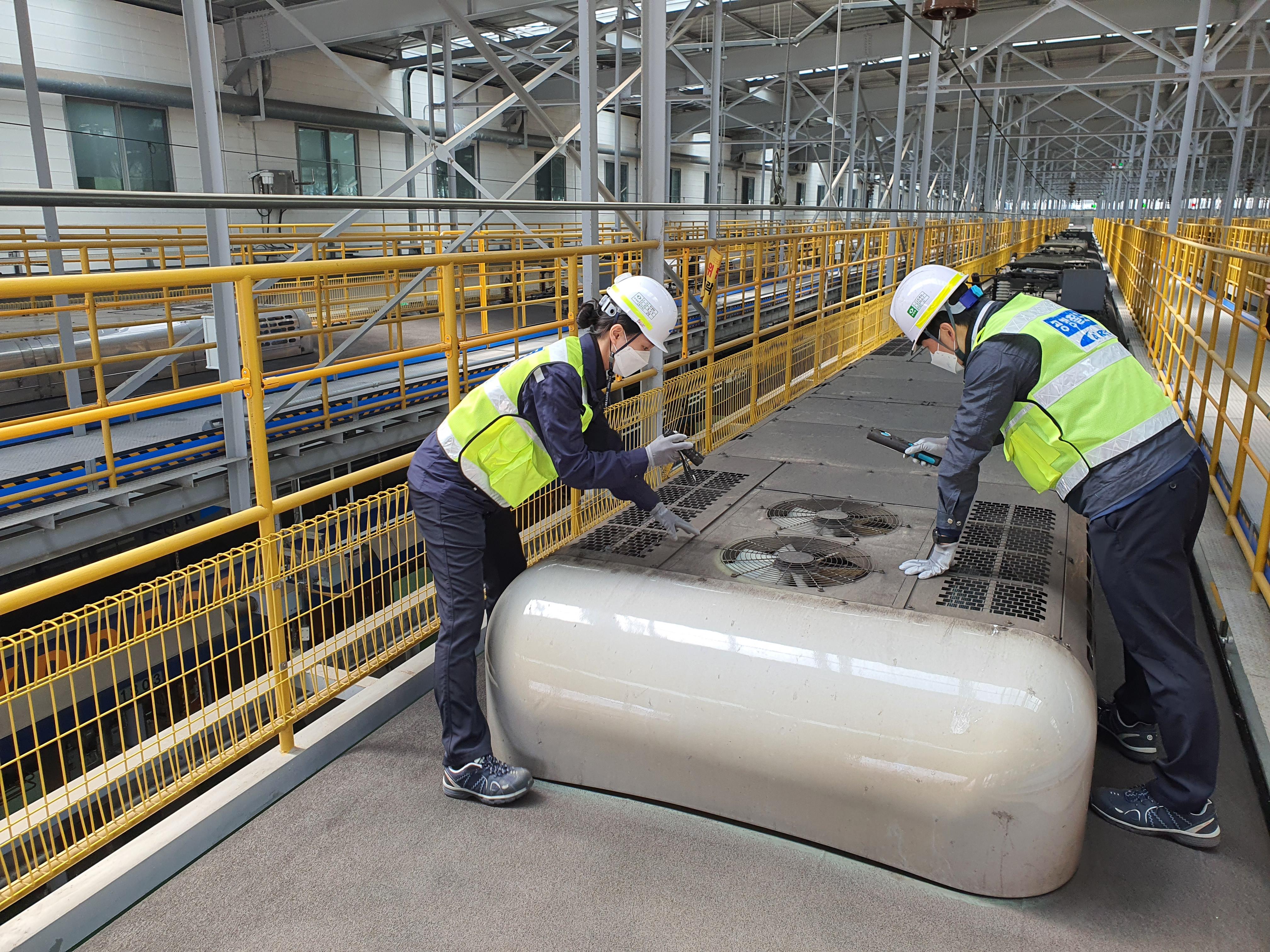 공항철도, 국내 최초 차내 혼잡도에 따른 냉방자동제어시스템 도입 관련사진입니다